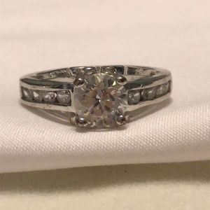 Jewelry - Silver and CZ ring size 7